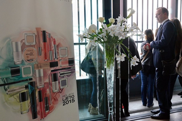 antropoti-vip-club-interior-design-event-catrice-promotion-flowers-design-decoration-florist-cvjetne-dekoracije-dizajn-interijera1-600x400.jpg