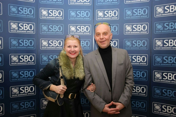 2016-Christmas-Event-of-Best-Banking-magazine-with-the-editor-of-the-magazine-1-600x400.jpg